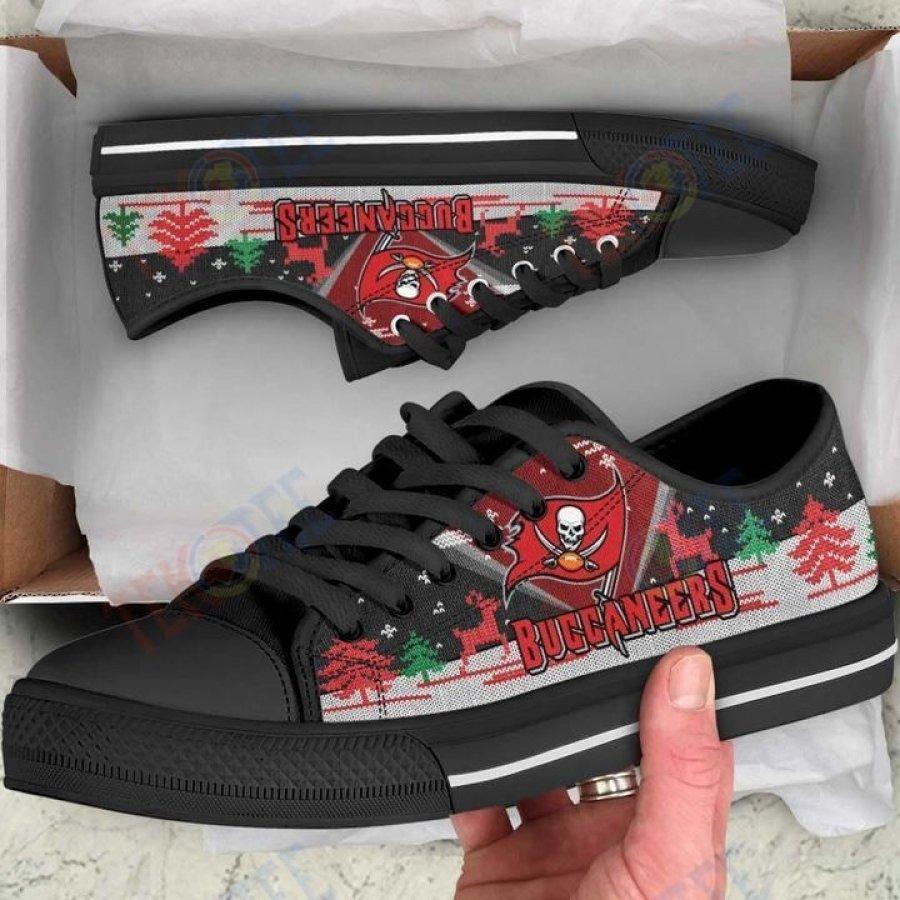 Mens Womens Christmas Tampa Bay Buccaneers Nfl Low Top Shoes Custom Print Footwear Convers Sneakers TMT778