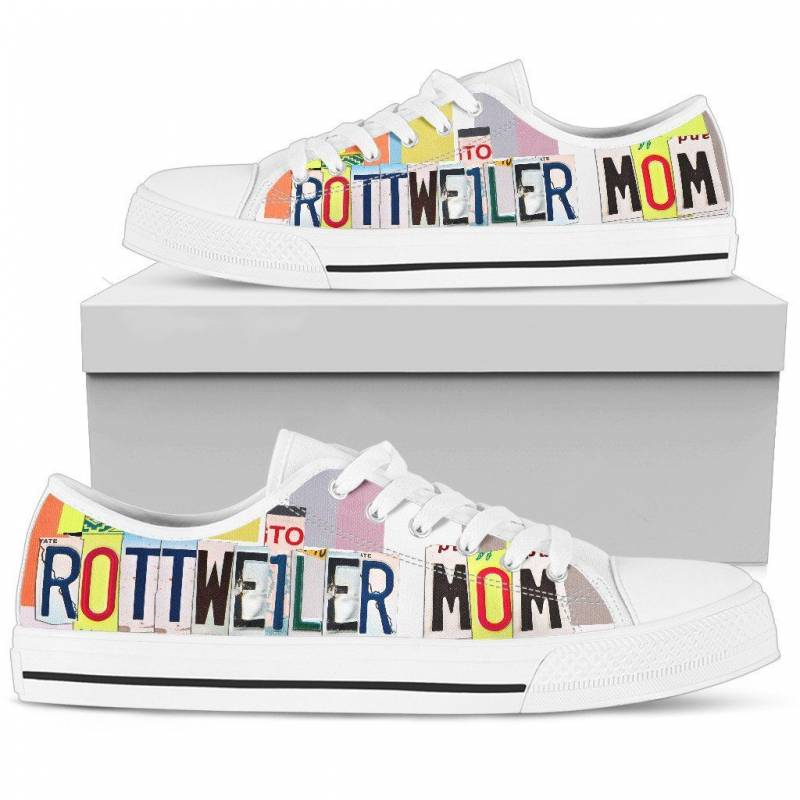 Rottweiler Mom Print Low Top Canvas Shoes For Women