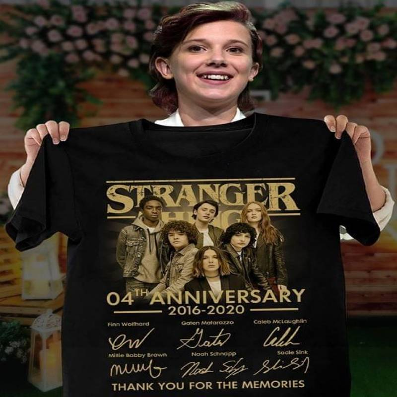 Stranger things tv series 4th anniversary actors signature for fan t shirt